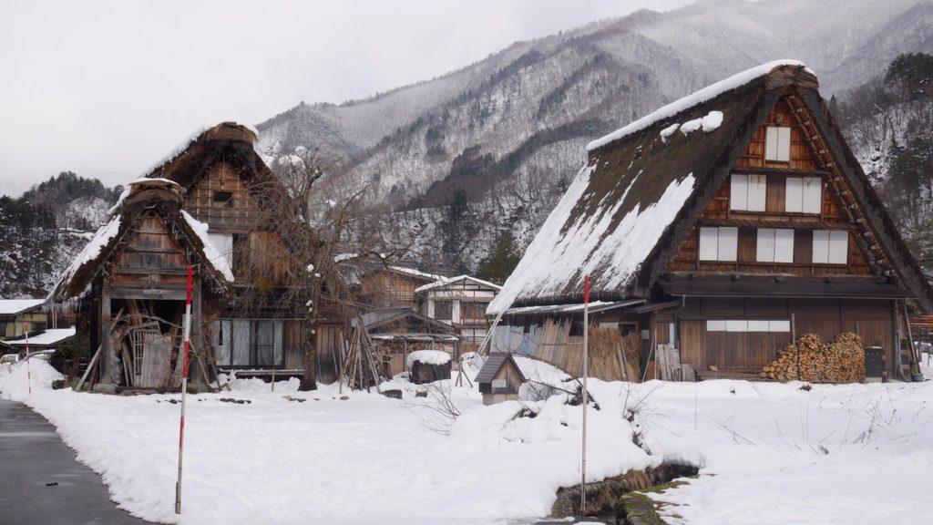 shirakawa-go-winter-in-japan